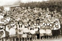 Alumnos vestidos de pastorcillos